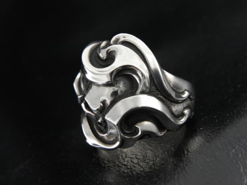 Skull & Flare Ring 3